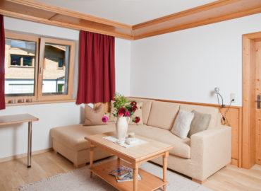 Ferienhaus_Bergland_Ellmau_Appartement_2_Wohnzimmer_4