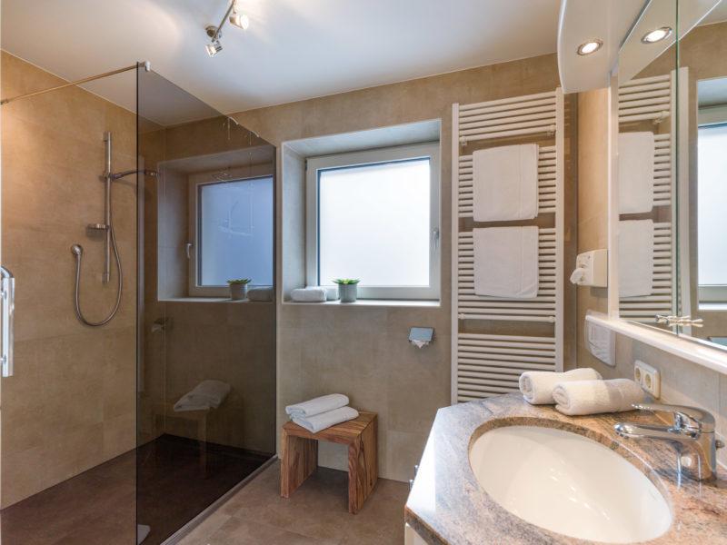 Appartements_Bergland_Ellmau_Appartement_1_Badezimmer
